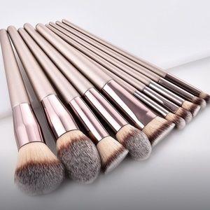 Other - BRAND NEW makeup brush set